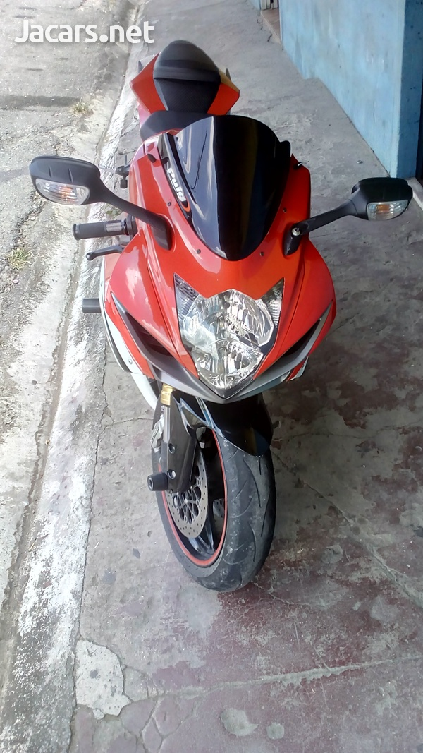 Suzuki 600 Bike 2013-2