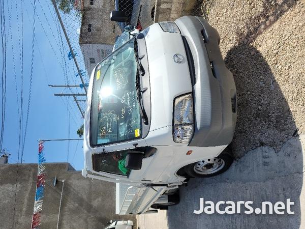 2011 Madza Bongo Truck-1