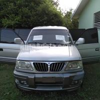 Mitsubishi Freeca 2,0L 2003