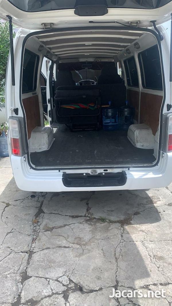 Nissan Caravan 2,0L 2011-10