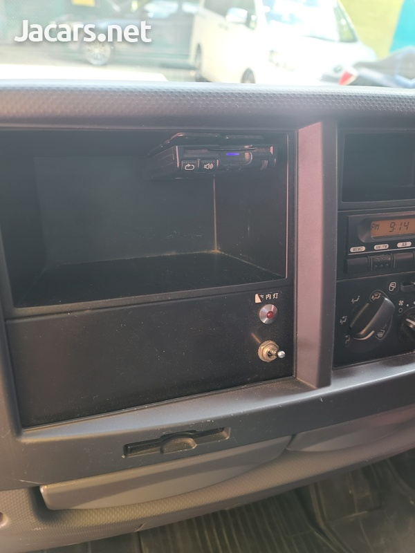 Isuzu Box Body Truck 3,5L 2012-11