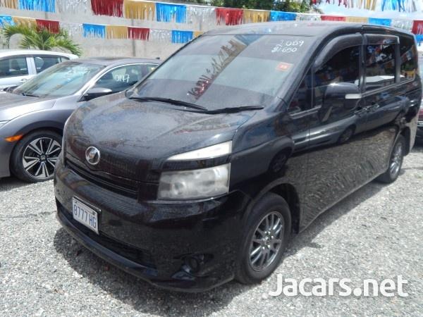 Toyota Voxy 1,9L 2009-4