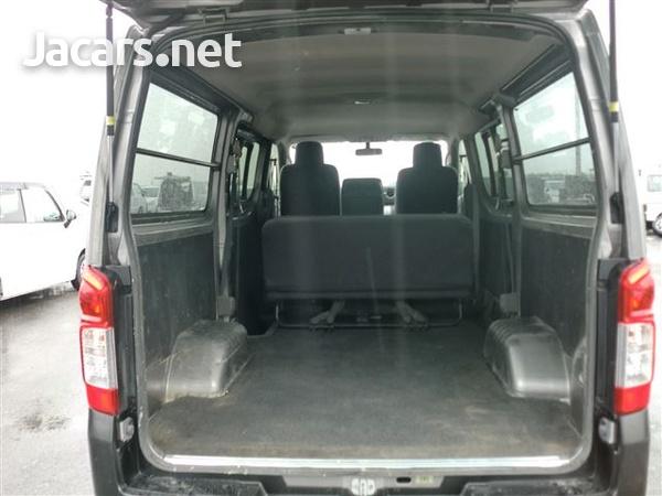 Nissan Caravan 3,6L 2013-8