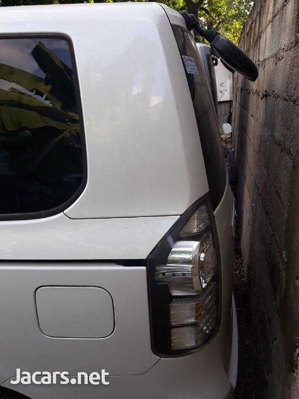 Toyota Voxy 1,9L 2011-3