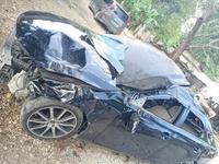 Damaged Toyota Mark X 2,5L 2012