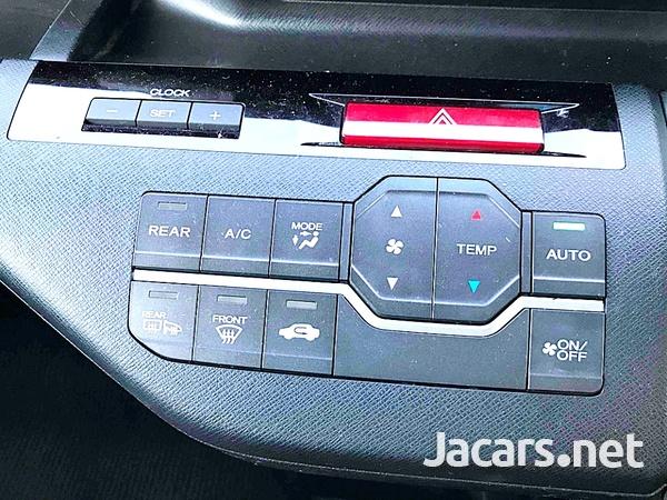 Honda Stepwgn Spada 2,0L 2012-15