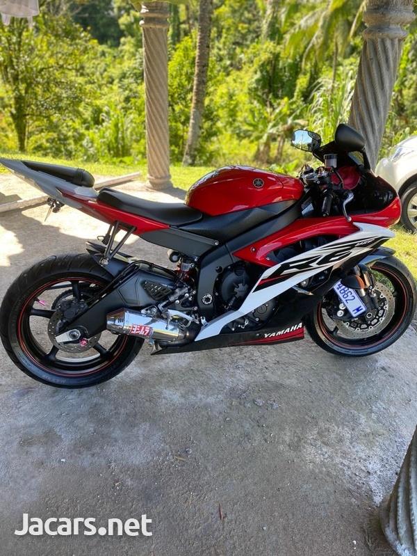 2014 Yamaha R6 Bike-2