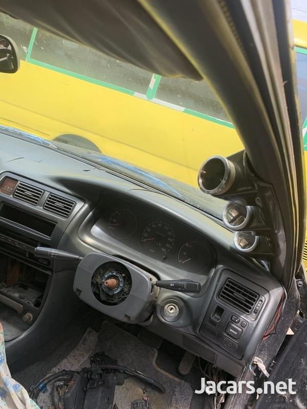 Toyota Sprinter 2,0L 1997-4