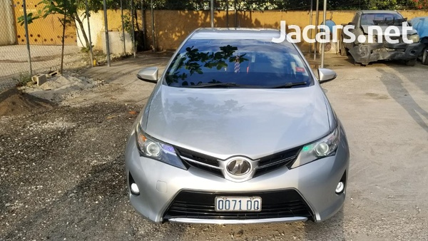 Toyota AURIS 1,8L 2013-1