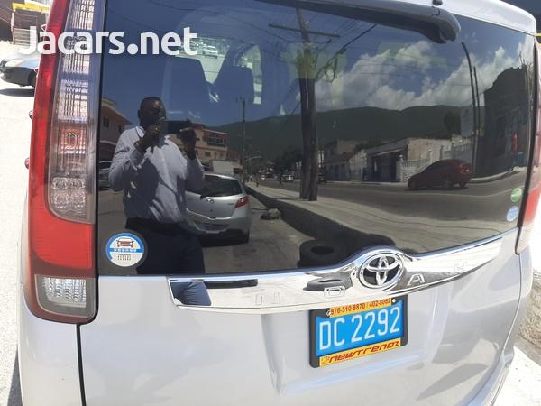 2016 Toyota Noah-2