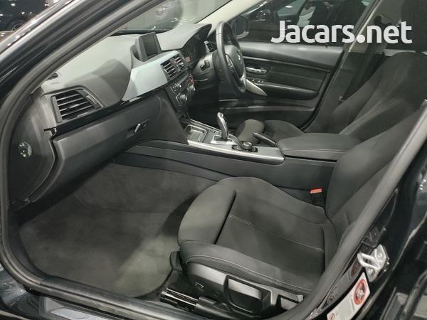 BMW 3-Series 2,0L 2015-7
