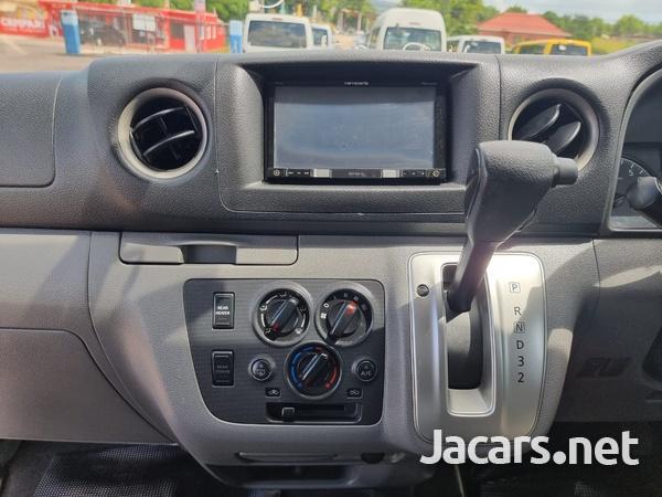 Nissan Caravan 2,5L 2016-9