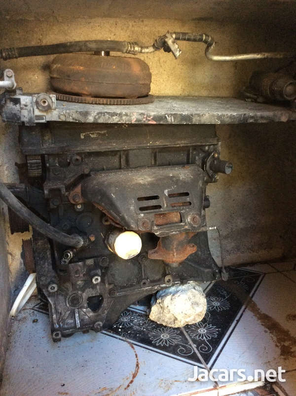 Strip toyota 5AG engine with a/c dryer and condenser