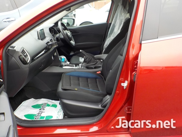 Mazda Axela 1,5L 2015-4