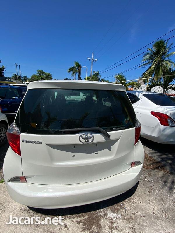 Toyota Ractis 1,3L 2013-4