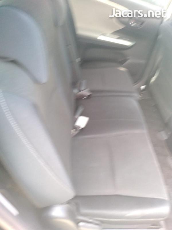 Toyota Wish 1,8L 2013-9