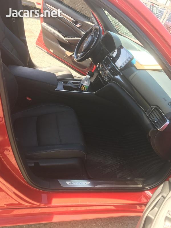Honda Accord 1,8L 2019-7