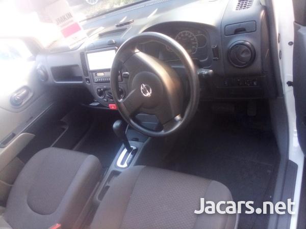 Nissan Tiida 1,6L 2012-8