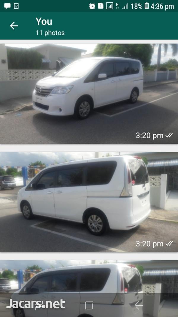 Nissan Serena 3,2L 2013-3