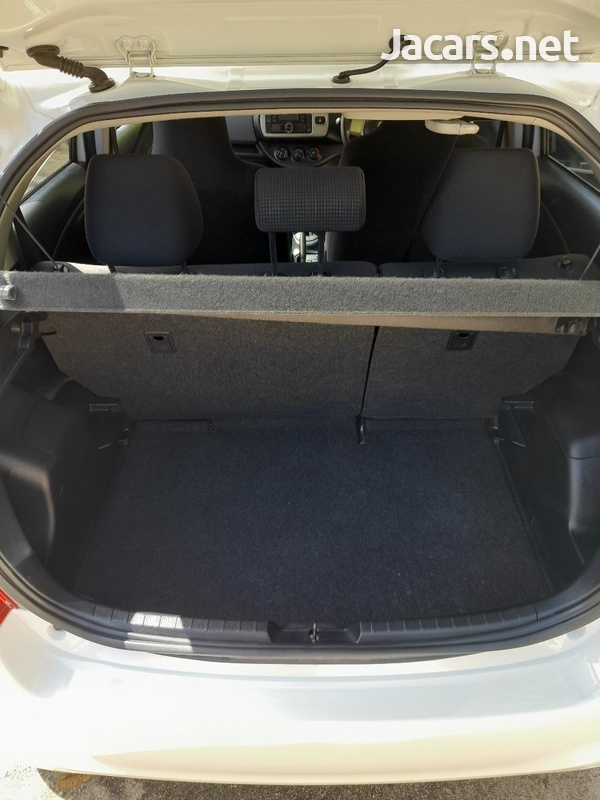 Toyota Vitz 1,5L 2015-16