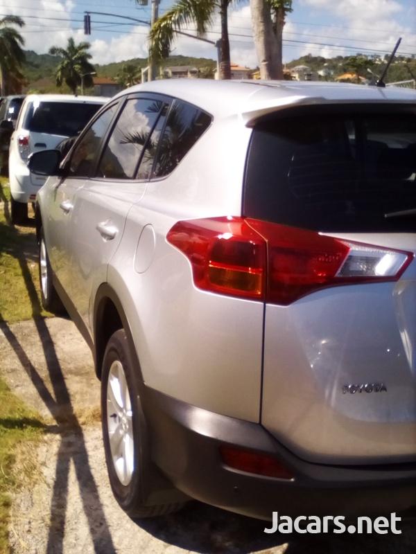 Toyota RAV4 2,0L 2013-4