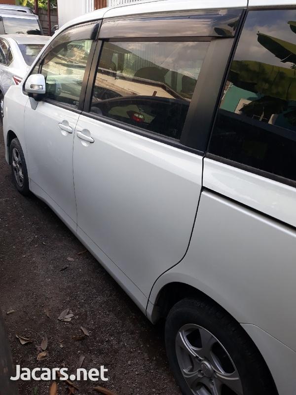 Toyota Voxy 1,9L 2011-2