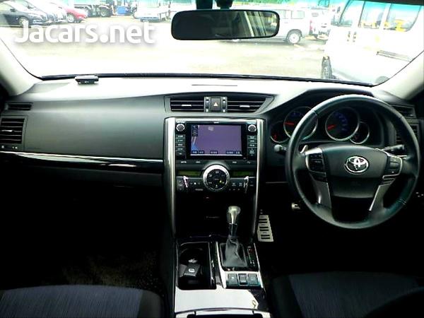 Toyota Mark X 2,5L 2013-10
