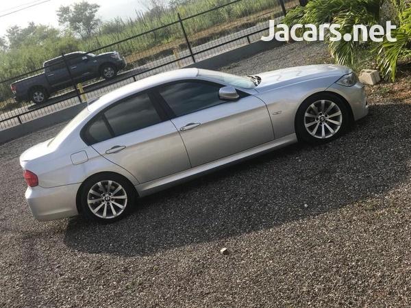 BMW 3-Series 2,5L 2011-6