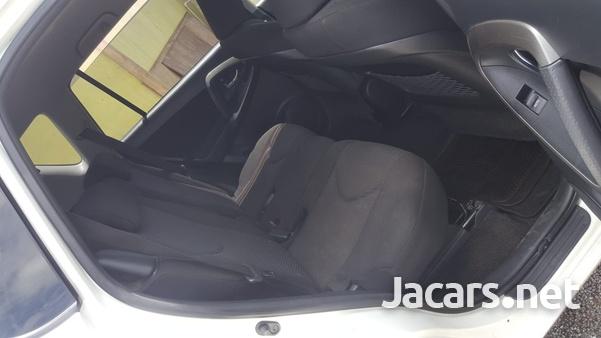Toyota RAV4 2,0L 2011-7