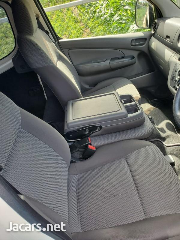 Nissan Caravan 2,0L 2015-4