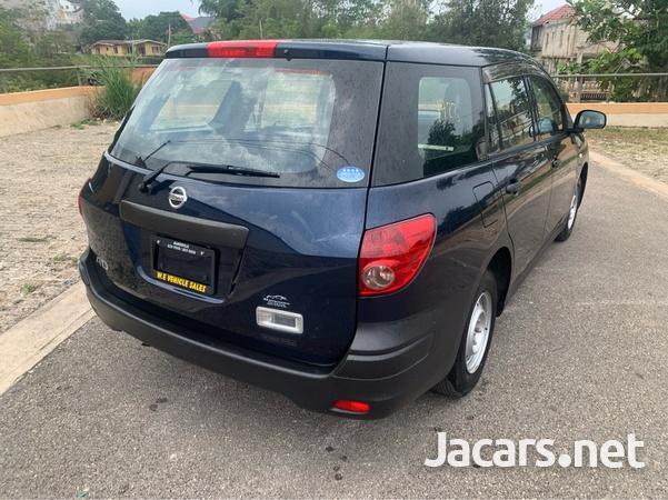 Nissan AD Wagon 1,5L 2015-4