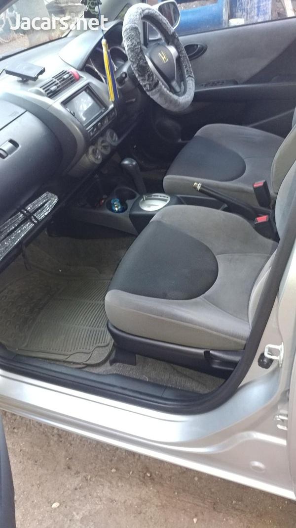 Honda Fit 1,5L 2006-6