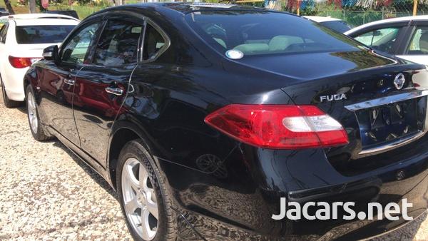 Nissan Fuga 2,5L 2012-5