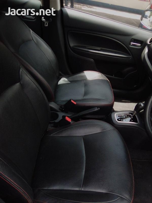 Mitsubishi Attrage 1,2L 2015-4