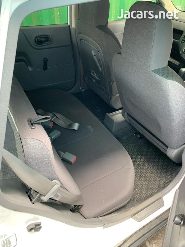 Nissan AD Wagon 1,4L 2015-3