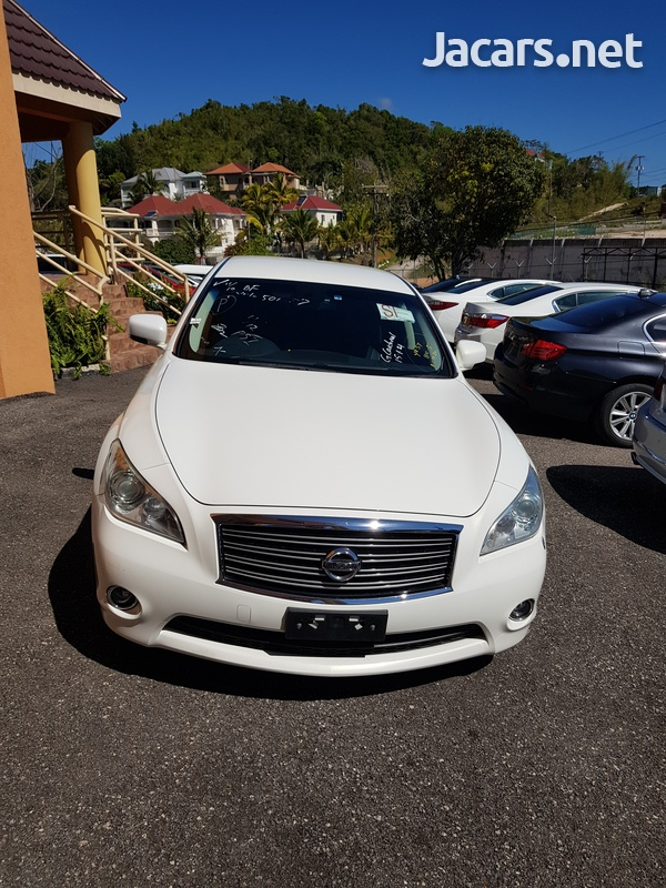 Nissan Fuga 3,5L 2013-1