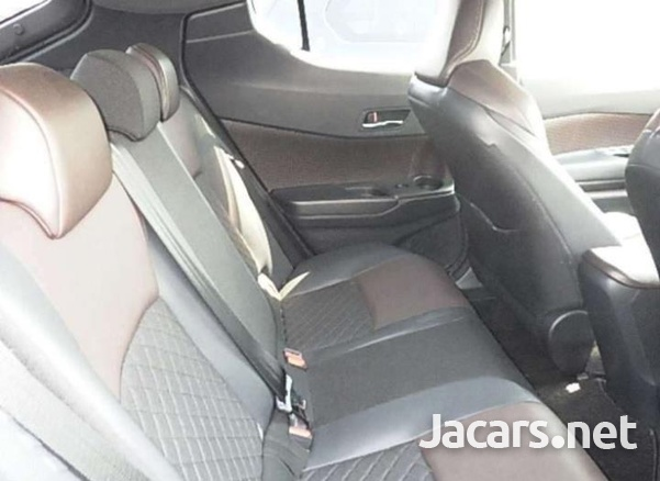 Toyota C-HR 1,9L 2018-3