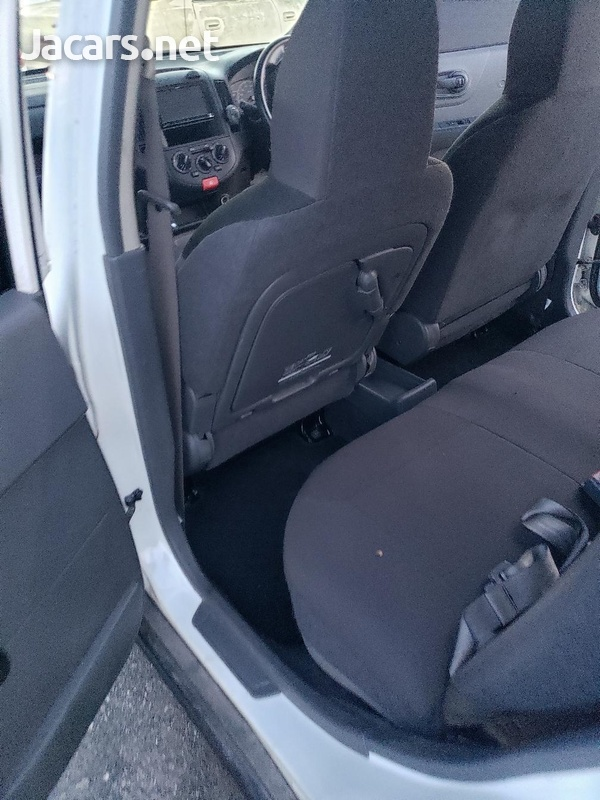 Nissan AD Wagon 1,5L 2014-10