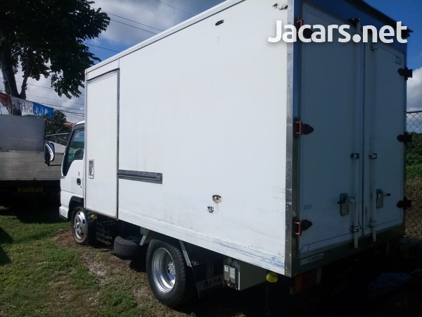 Isuzu freezer body Truck 2005-4