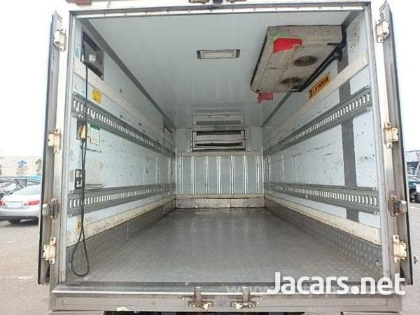 2009 hino Dutro freezer truck-2
