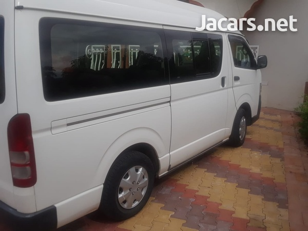 Toyota Hiace Bus 2,5L 2012-7