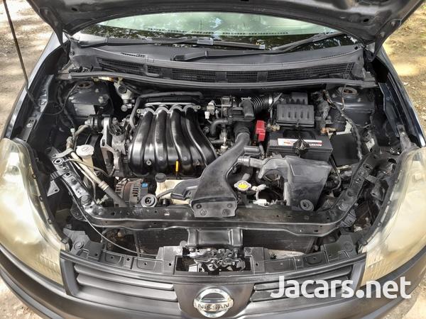Nissan AD Wagon 1,8L 2012-6