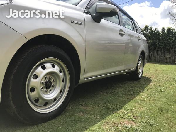 Toyota Fielder 1,8L 2015-5