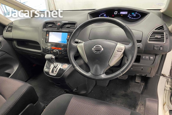 Nissan Serena 2,0L 2012-5