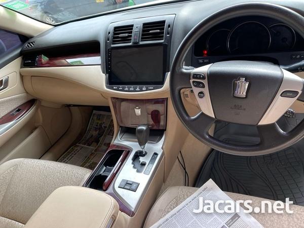 Toyota Crown 2,5L 2010-3