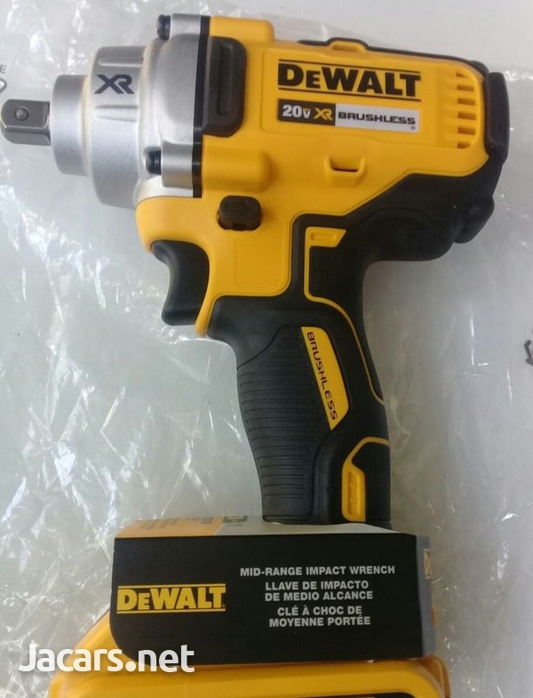 DEWALT 20 Volt Impact Wrench-6