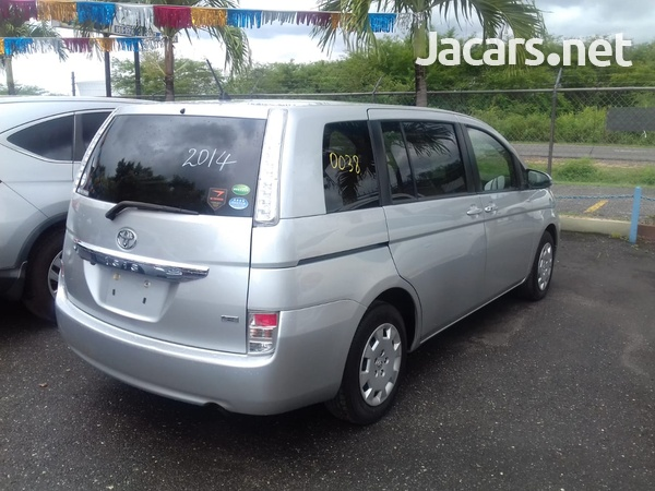 Toyota Isis 2,0L 2014-5