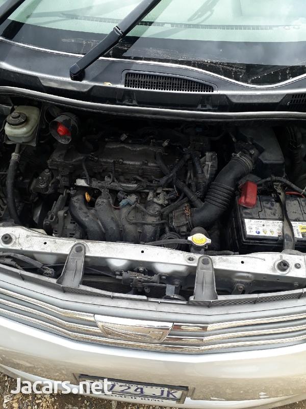 Toyota Noah 1,8L 2012-8