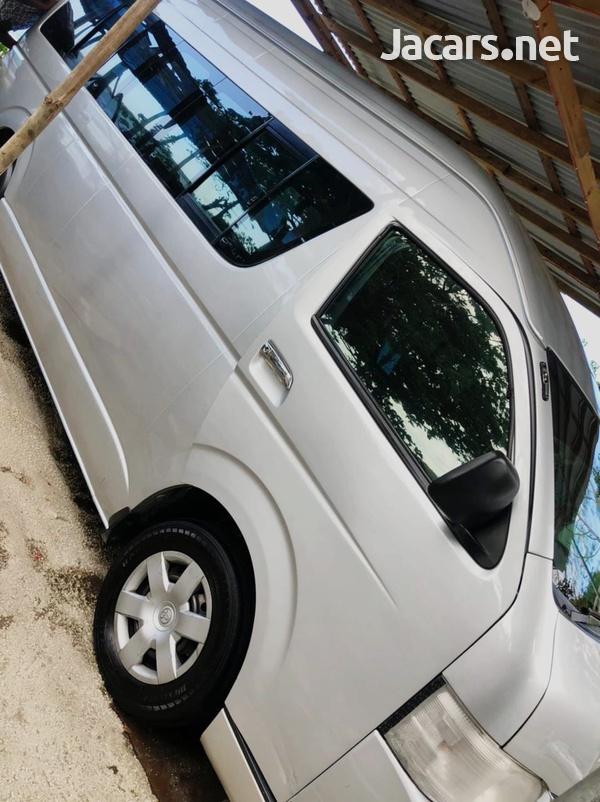 Toyota Hiace 5,0L 2008-4