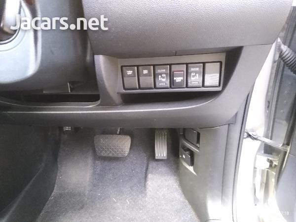 Mazda Biante 2,0L 2013-13